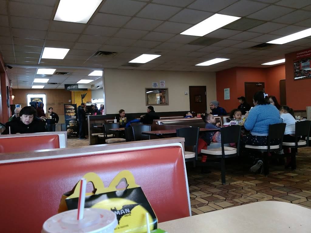 McDonalds - cafe  | Photo 6 of 9 | Address: 420-34 Rte 1 N, Elizabeth, NJ 07208, USA | Phone: (908) 351-4548