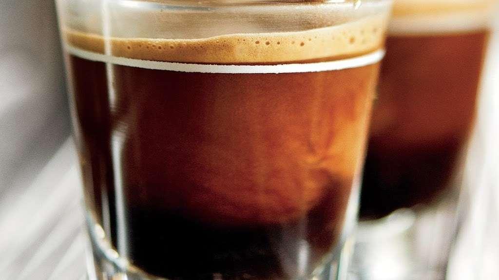 Starbucks - cafe  | Photo 6 of 10 | Address: 12447 Hedges Run Dr #B-1, Lake Ridge, VA 22192, USA | Phone: (703) 491-9055