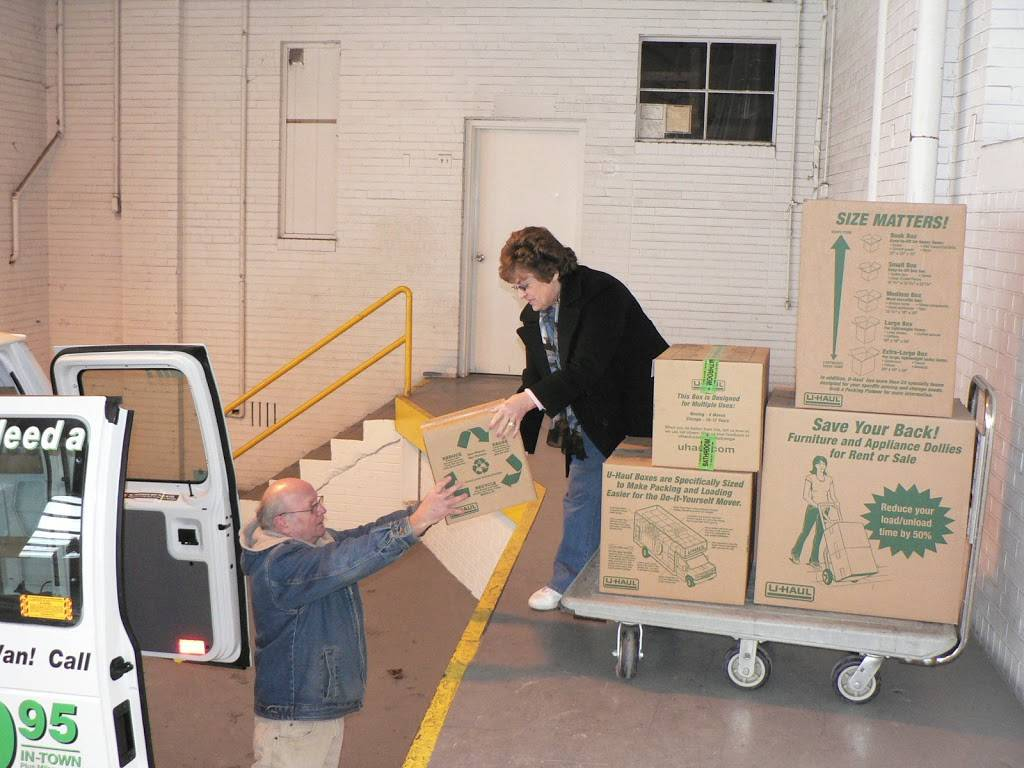 U-Haul Moving & Storage at Clark Ave - moving company  | Photo 4 of 10 | Address: 6000 Clark Ave, Cleveland, OH 44102, USA | Phone: (216) 631-7402