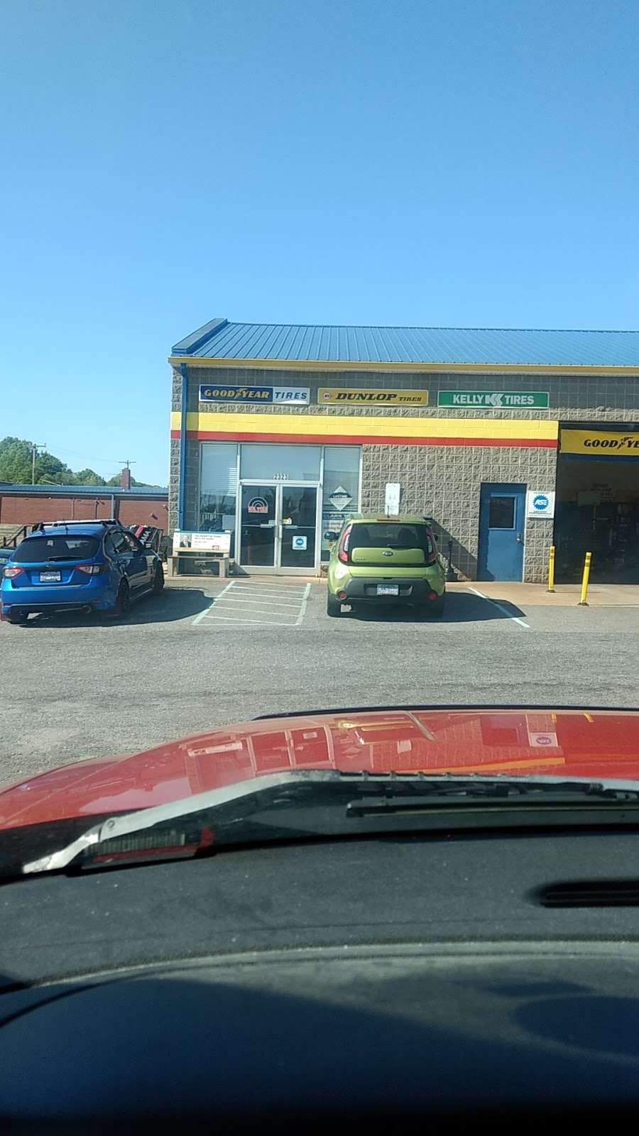 Mr. Tire Auto Service Centers - car repair  | Photo 6 of 10 | Address: 2323 Northwest Blvd, Newton, NC 28658, USA | Phone: (828) 355-1146