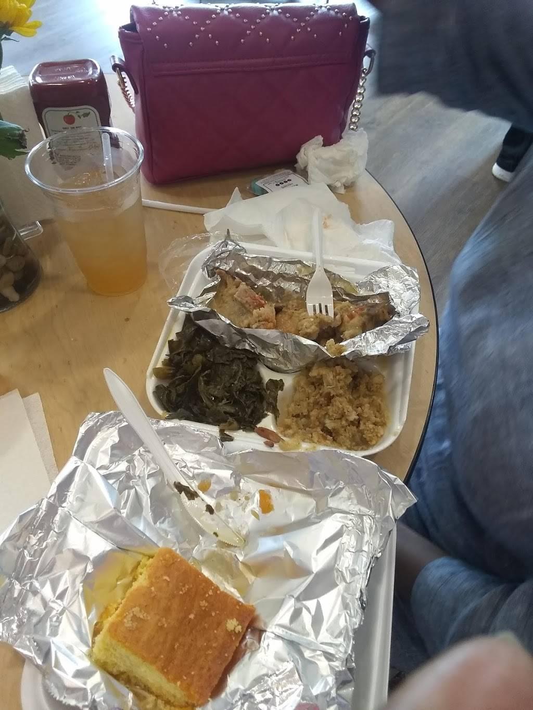 Lucretias Kitchen - restaurant  | Photo 3 of 9 | Address: 1812 W Muhammad Ali Blvd, Louisville, KY 40203, USA | Phone: (502) 294-8143