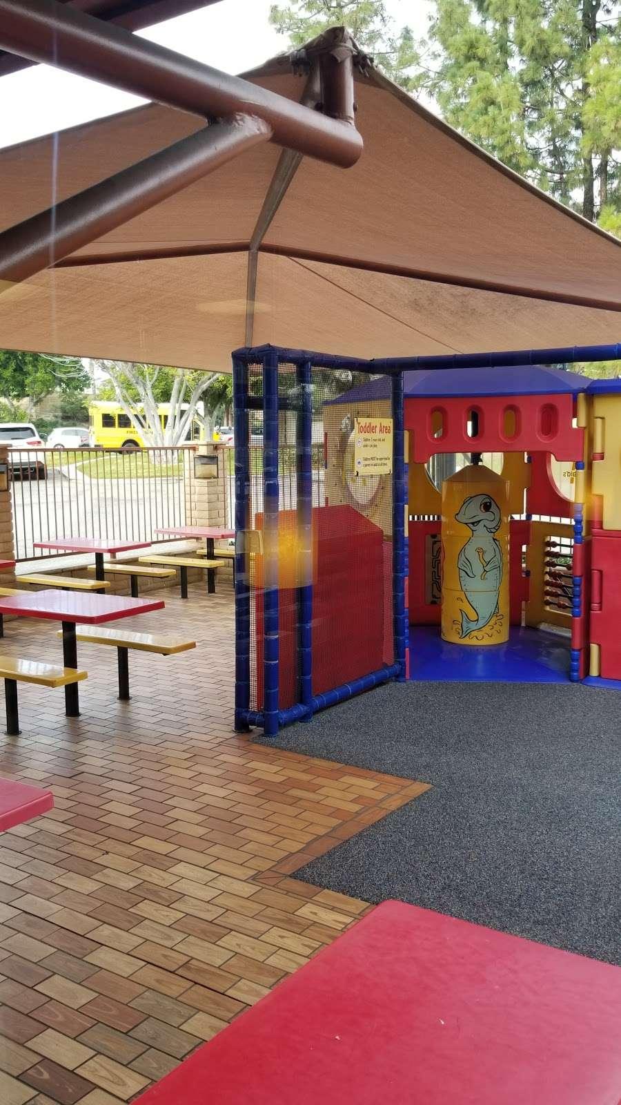 McDonalds - cafe  | Photo 2 of 10 | Address: 26902 Trabuco Rd, Mission Viejo, CA 92691, USA | Phone: (949) 855-0336