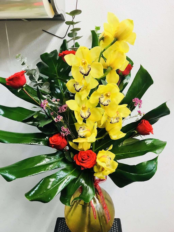 Yesenias Flowers - florist  | Photo 9 of 10 | Address: 1537 Castle Hill Ave, Bronx, NY 10462, USA | Phone: (347) 657-0022