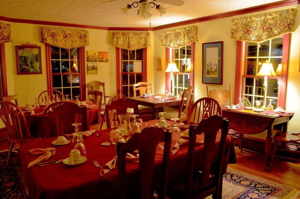 Back Creek Inn - lodging  | Photo 6 of 10 | Address: 210 Alexander St, Solomons, MD 20688, USA | Phone: (410) 326-2022