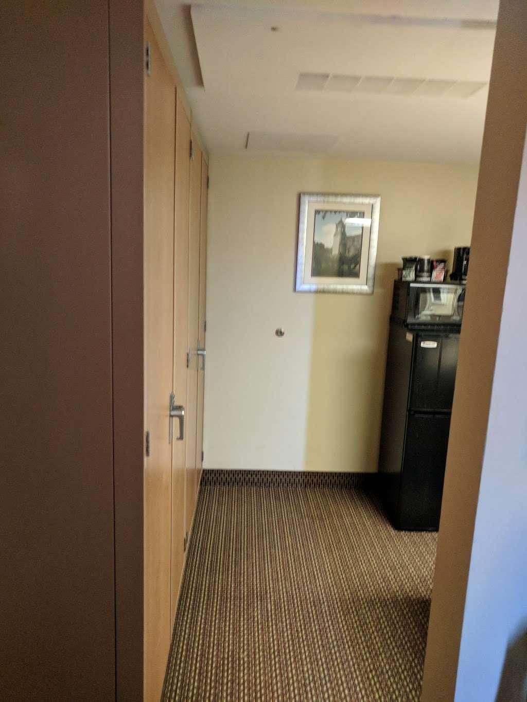 Gateway Inn - lodging  | Photo 3 of 10 | Address: 1750 Femoyer St, San Antonio, TX 78236, USA | Phone: (210) 673-6930