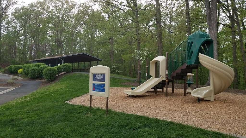 Tuscarora Creek Park - park  | Photo 1 of 10 | Address: 425 Solitude Ct SE, Leesburg, VA 20175, USA | Phone: (703) 777-1368