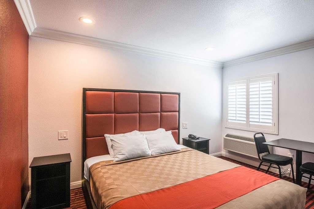 Rodeway Inn & Suites - lodging  | Photo 6 of 9 | Address: 10112 Long Beach Blvd, Lynwood, CA 90262, USA | Phone: (323) 249-0573