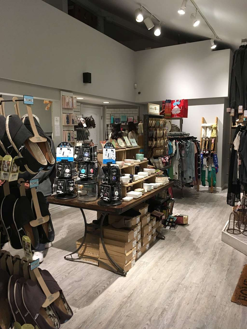 Urban Girl Accessories - clothing store  | Photo 6 of 10 | Address: 837 W Harbor Dr Suite A, San Diego, CA 92101, USA | Phone: (619) 231-8845