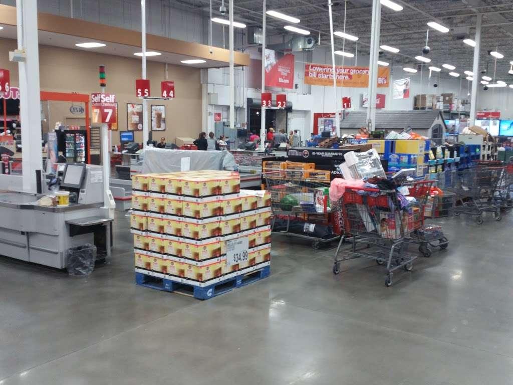 BJ's Wholesale - Bakery | 30 NJ-17, Paramus, NJ 07652, USA