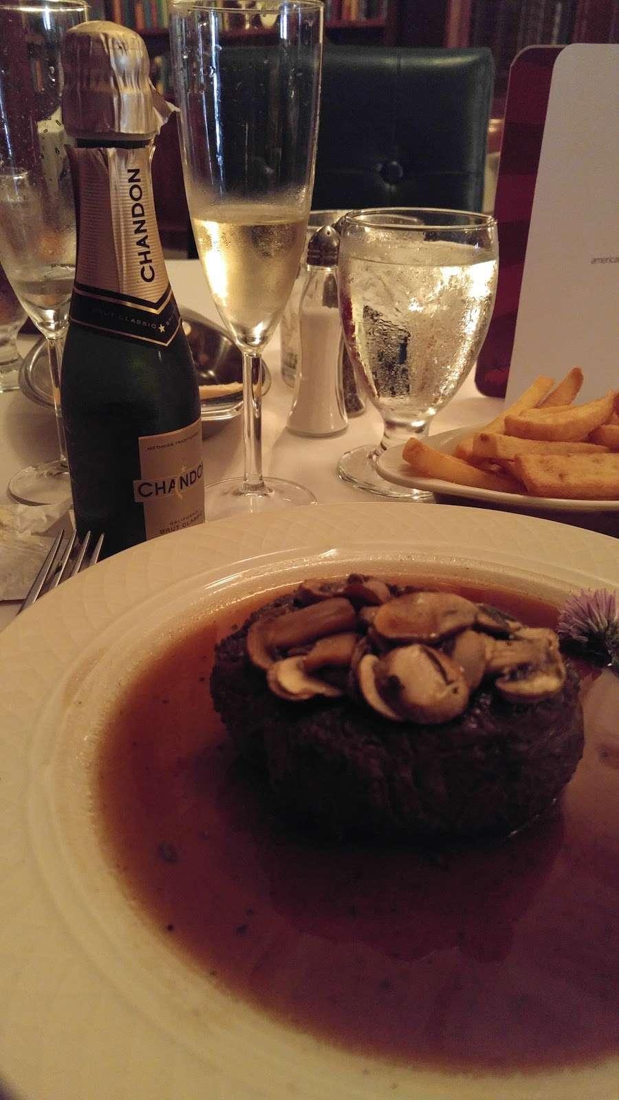 Old Colonial Inn - restaurant  | Photo 4 of 10 | Address: 216 N 3rd St, Kentland, IN 47951, USA | Phone: (219) 474-6774