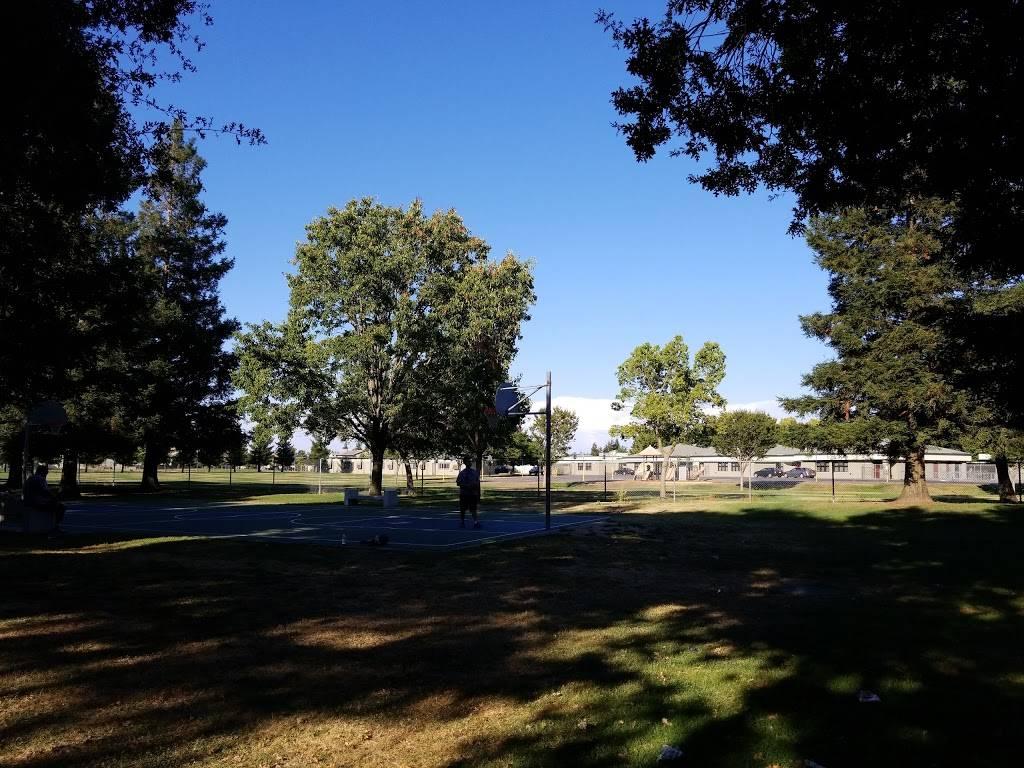Baxter Park - park    Photo 1 of 6   Address: 10410 Muir Woods Ave, Stockton, CA 95209, USA   Phone: (209) 937-8206