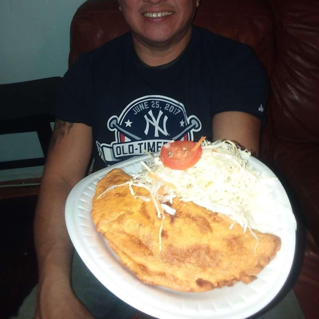 Chiqui Cafe - cafe  | Photo 6 of 7 | Address: 24617 Jericho Turnpike, Queens, NY 11426, USA | Phone: (718) 347-8100