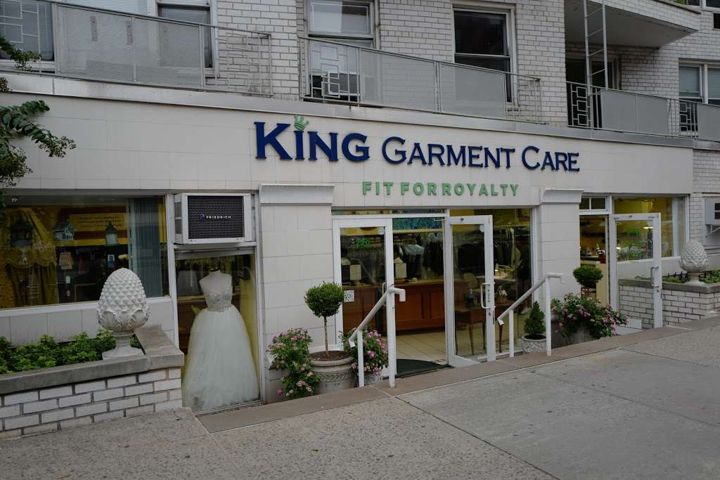 King Garment Care - laundry  | Photo 2 of 10 | Address: 220 6th Ave, New York, NY 10014, USA | Phone: (212) 989-3673