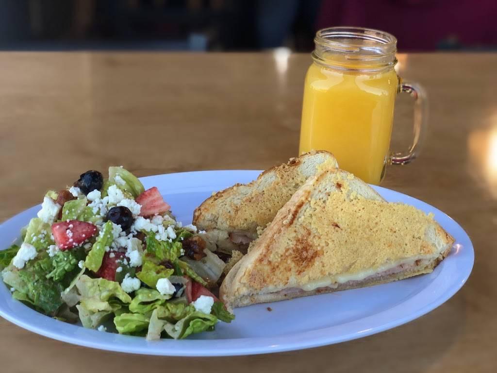 The Easy Egg Breakfast & Lunch - restaurant  | Photo 1 of 7 | Address: 240 N Main St STE 300, Haysville, KS 67060, USA | Phone: (316) 522-7570