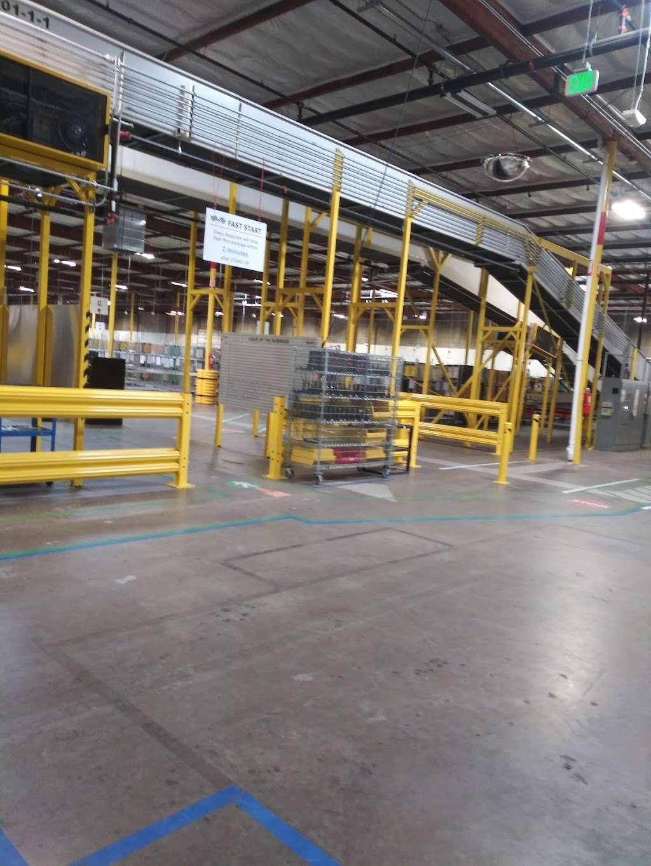 Amazon DSD3 (Sortation Center) - storage  | Photo 8 of 10 | Address: 901 Bay Marina Dr, National City, CA 91950, USA | Phone: (619) 474-4663