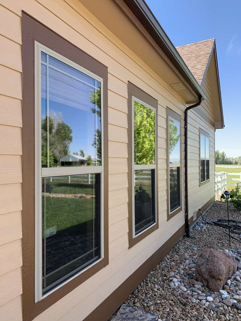 United Window Cleaning - store  | Photo 3 of 8 | Address: 1121 Crescent Dr, Windsor, CO 80550, USA | Phone: (970) 430-0548