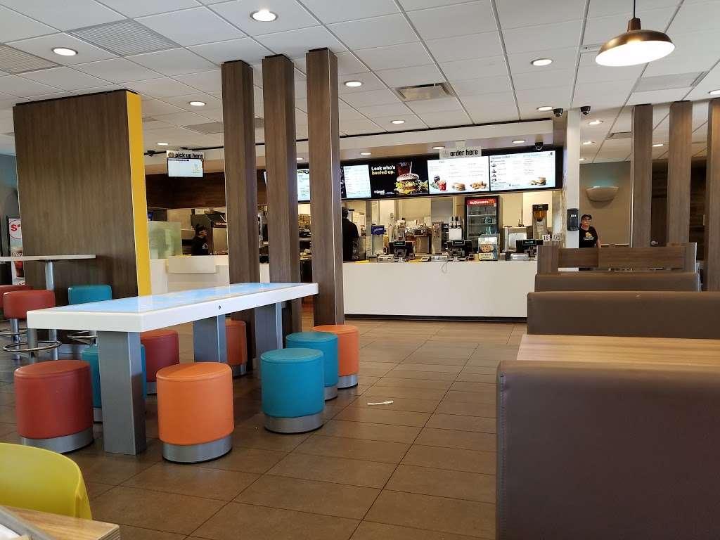 McDonalds - cafe  | Photo 6 of 10 | Address: 2463 S Euclid Ave, Ontario, CA 91761, USA | Phone: (909) 983-6303