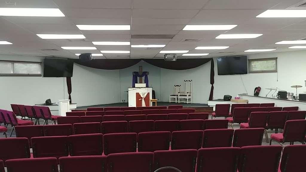 Iglesia Cristiana Betesda. Pastor: Rubero Adorno - church  | Photo 4 of 4 | Address: 24 Echo Ave, Nashua, NH 03060, USA | Phone: (603) 966-6670