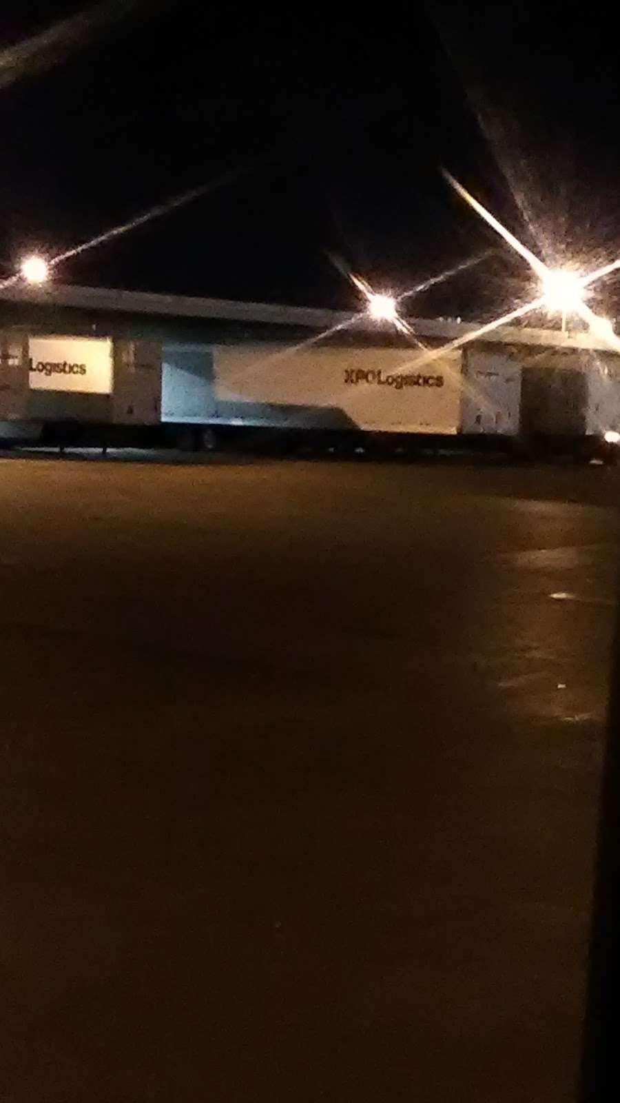 XPO Logistics - moving company  | Photo 7 of 10 | Address: 5020 Calvert St, Dallas, TX 75247, USA | Phone: (214) 631-5486