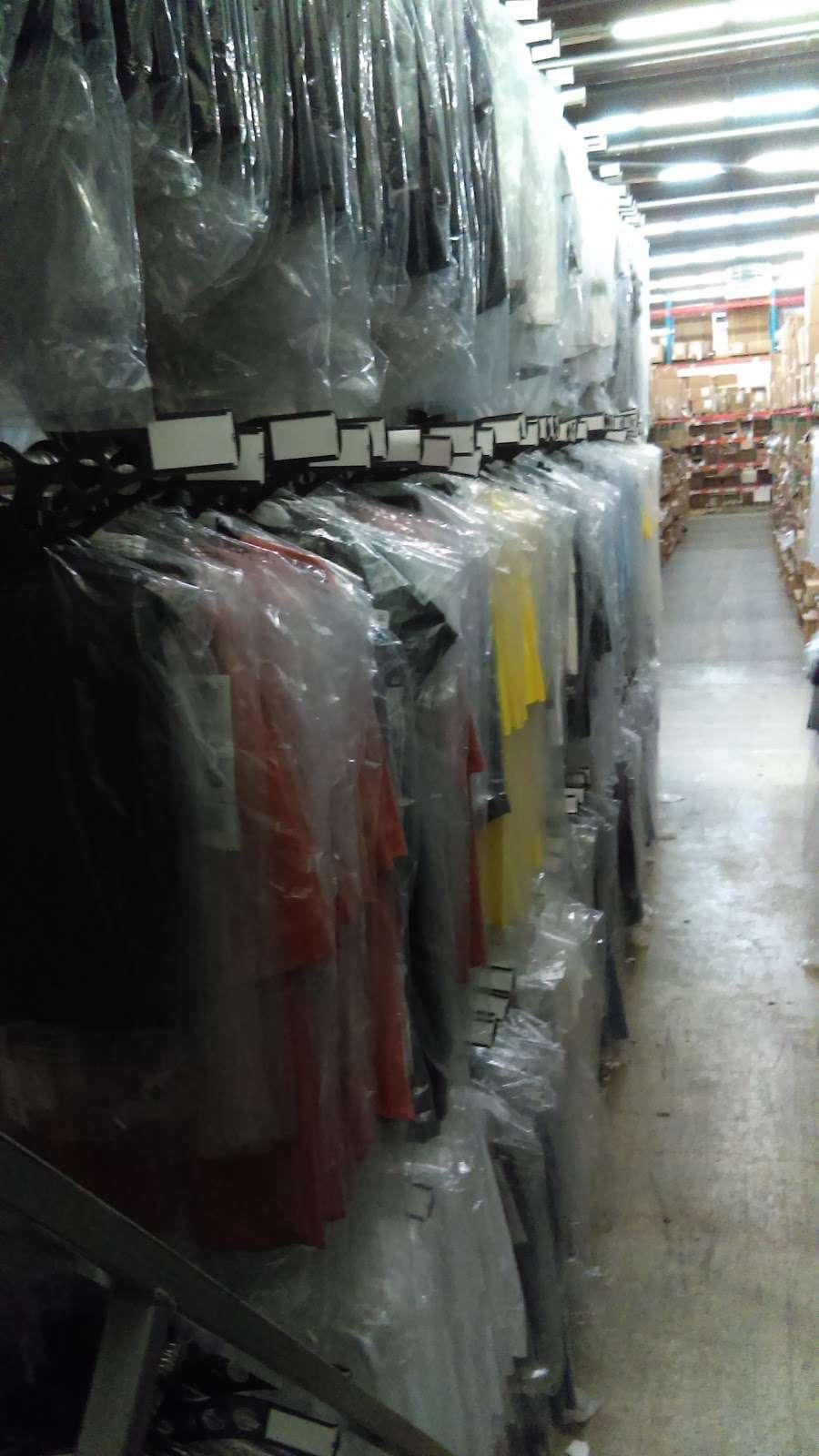Port Logistics Group - storage    Photo 3 of 6   Address: 125 Castle Rd, Secaucus, NJ 07094, USA   Phone: (201) 865-2121