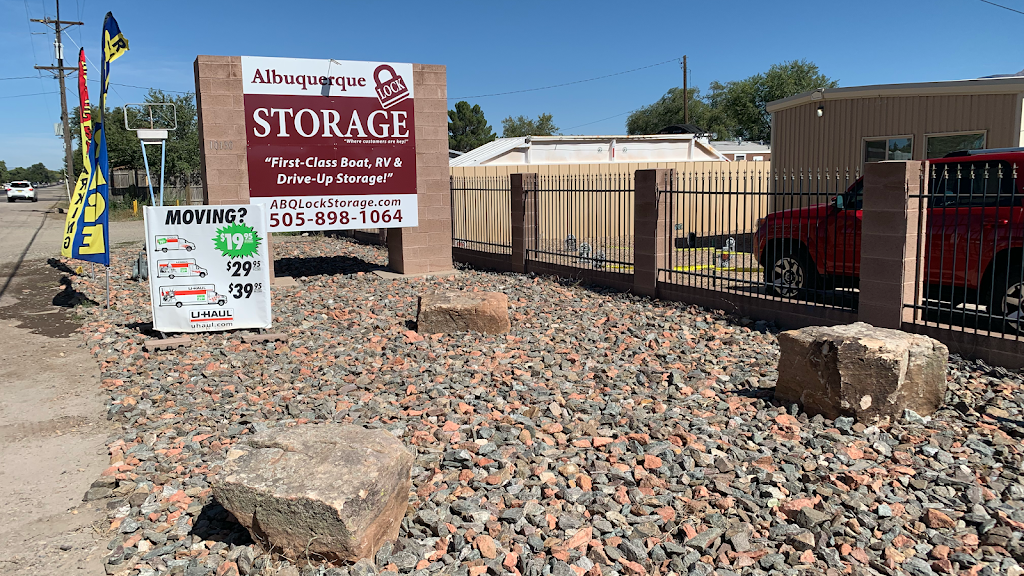 Albuquerque Lock Storage - storage  | Photo 1 of 7 | Address: 10130 2nd St NW, Albuquerque, NM 87114, USA | Phone: (505) 898-1064