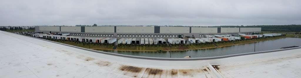 Wayfair Cranbury Warehouse - storage  | Photo 4 of 7 | Address: 46 Station Rd, Cranbury, NJ 08512, USA | Phone: (617) 532-6100