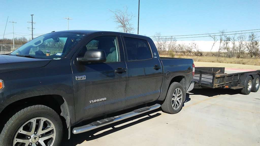 LKQ - car repair  | Photo 6 of 10 | Address: 17745 Lookout Rd Suite 100, Selma, TX 78154, USA | Phone: (210) 666-1190