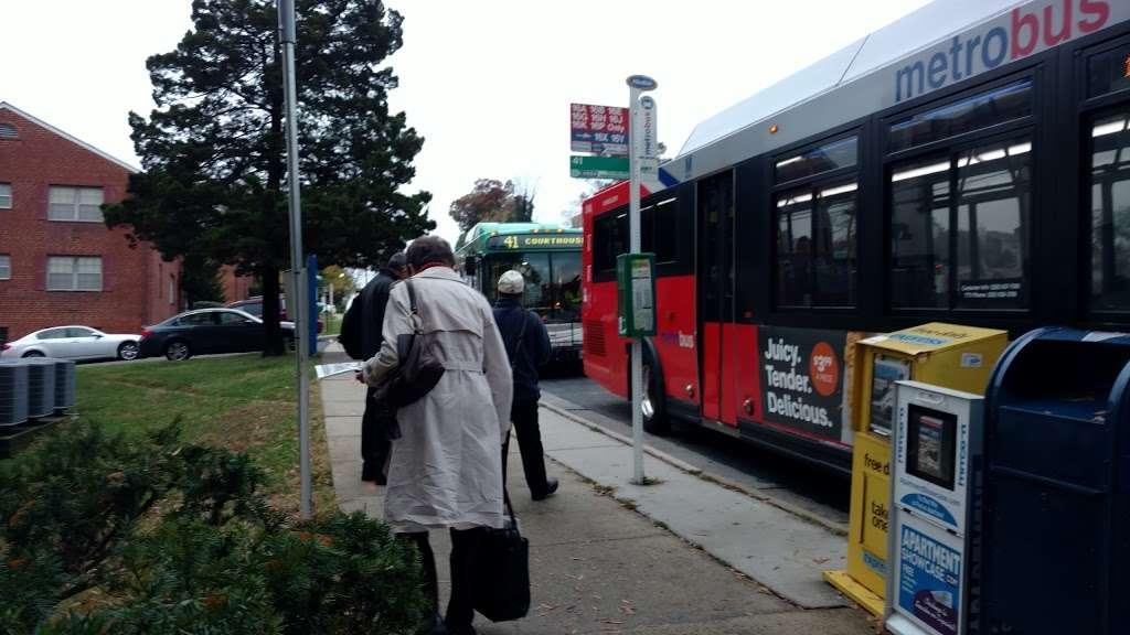 Columbia Pike, EB @ S George Mason Drive, NS - bus station    Photo 2 of 2   Address: Arlington, VA 22204, USA