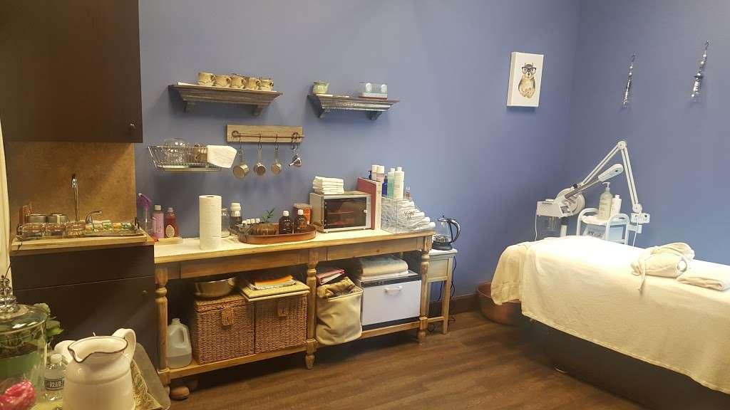 Salons By JC - hair care    Photo 2 of 10   Address: 3865 Wilson Blvd, Arlington, VA 22203, USA   Phone: (703) 282-2178