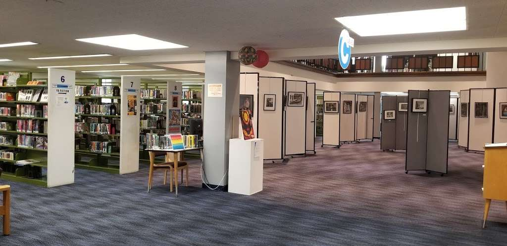 Maurice M. Pine Free Public Library - library  | Photo 1 of 10 | Address: 10-01 Fair Lawn Ave, Fair Lawn, NJ 07410, USA | Phone: (201) 796-3400
