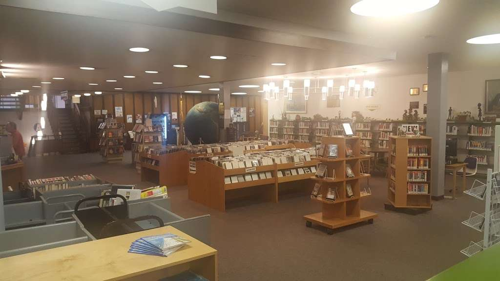 Maurice M. Pine Free Public Library - library  | Photo 7 of 10 | Address: 10-01 Fair Lawn Ave, Fair Lawn, NJ 07410, USA | Phone: (201) 796-3400