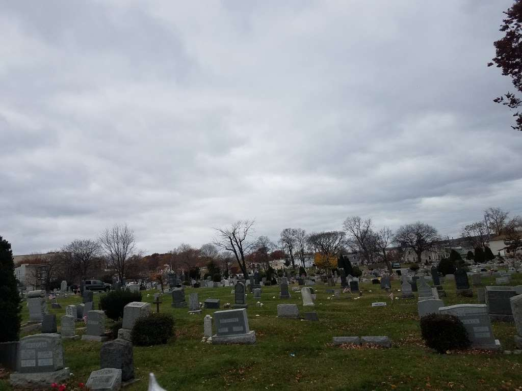 Palisades Cemetery - cemetery  | Photo 8 of 8 | Address: North Bergen, NJ 07047, USA | Phone: (201) 867-0151
