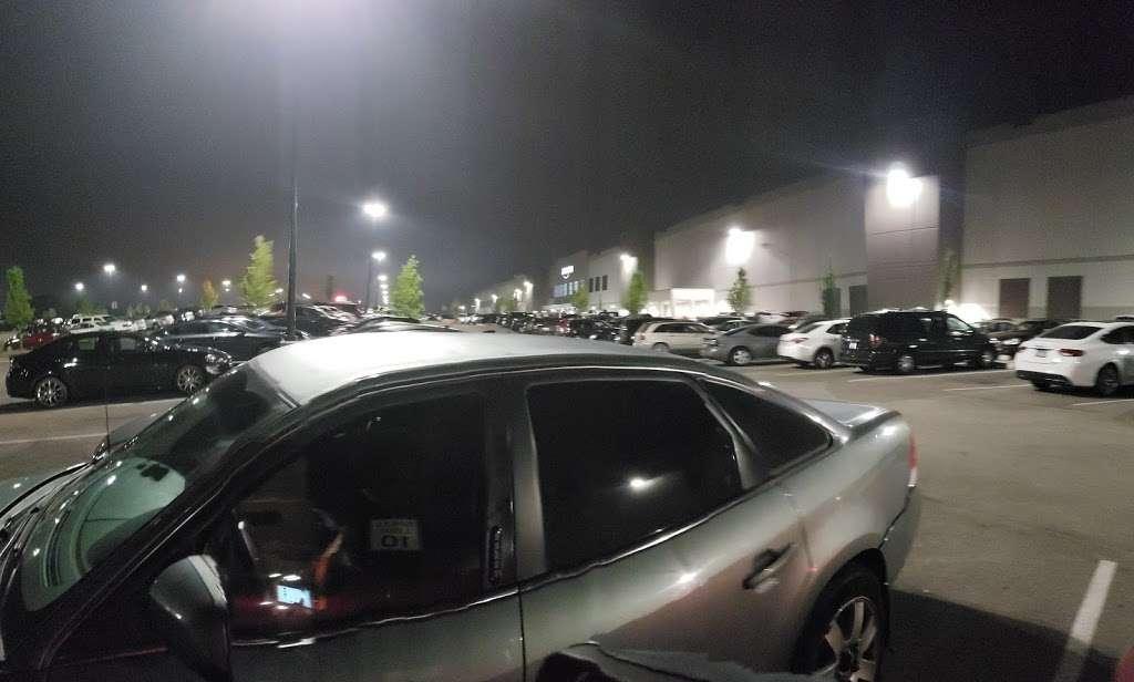 Amazon Fulfillment Center - MDW7 - storage  | Photo 3 of 10 | Address: 6605 W Monee Manhattan Rd, Monee, IL 60449, USA | Phone: (206) 266-1000