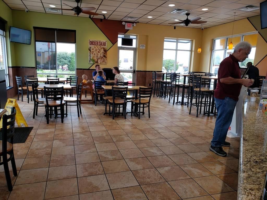 Golden Chick - meal takeaway  | Photo 5 of 10 | Address: 5580 S Buckner Blvd, Dallas, TX 75149, USA | Phone: (214) 321-3555