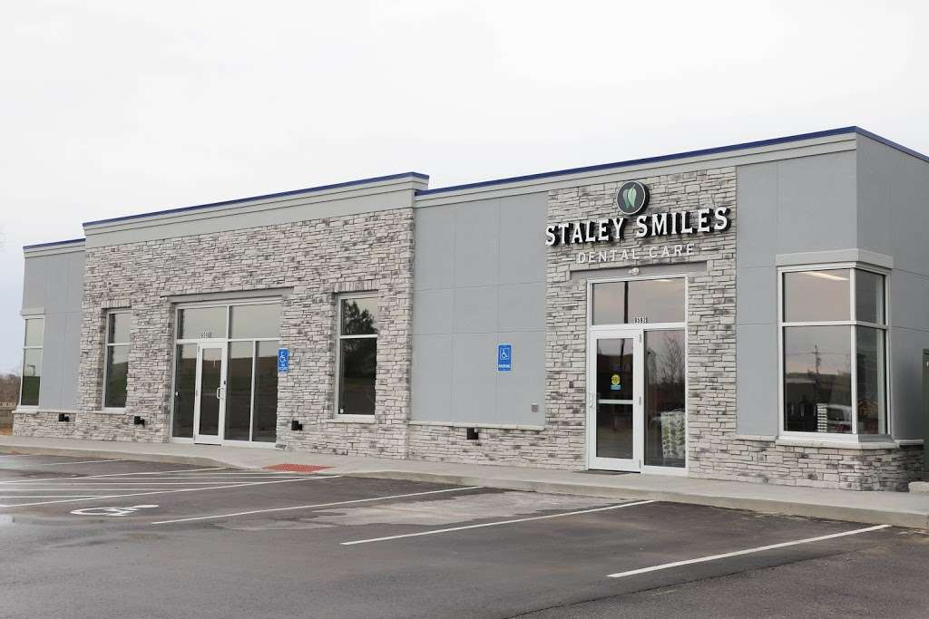 Staley Smiles Dental Care: Dr. Thomas Barton, DDS - dentist    Photo 3 of 7   Address: 9592 N McGee St, Kansas City, MO 64155, USA   Phone: (816) 453-0195