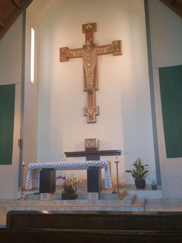 Saint Albert the Great Catholic Church - church  | Photo 5 of 10 | Address: 804 E Compton Blvd, Rancho Dominguez, CA 90220, USA | Phone: (310) 329-7548