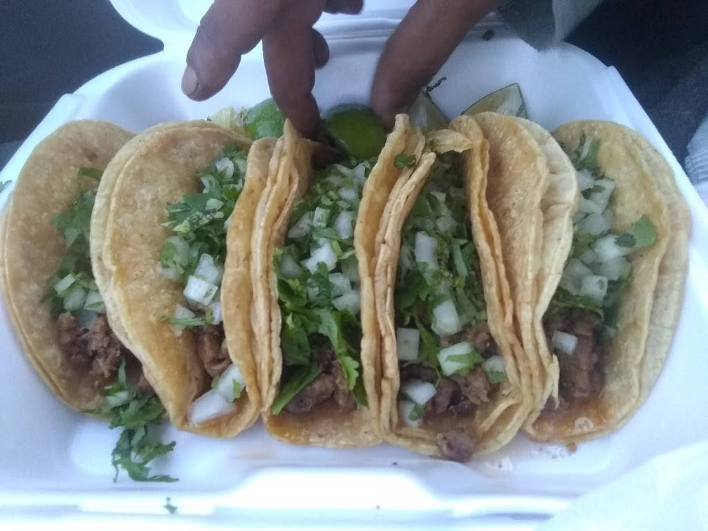 Los Tacos Paco - restaurant  | Photo 6 of 10 | Address: 2516 E Pontiac St, Fort Wayne, IN 46803, USA | Phone: (260) 744-9444