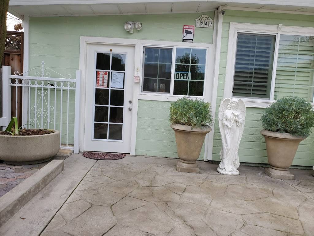 Masaje y Terapia (Massage Therapy) - doctor    Photo 2 of 2   Address: 1249 Lancelot Ln, San Jose, CA 95127, USA   Phone: (408) 646-7465