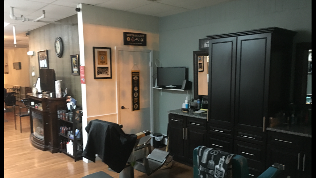 North Andover Barber Shop - hair care  | Photo 6 of 10 | Address: 569 Chickering Rd, North Andover, MA 01845, USA | Phone: (978) 258-9256