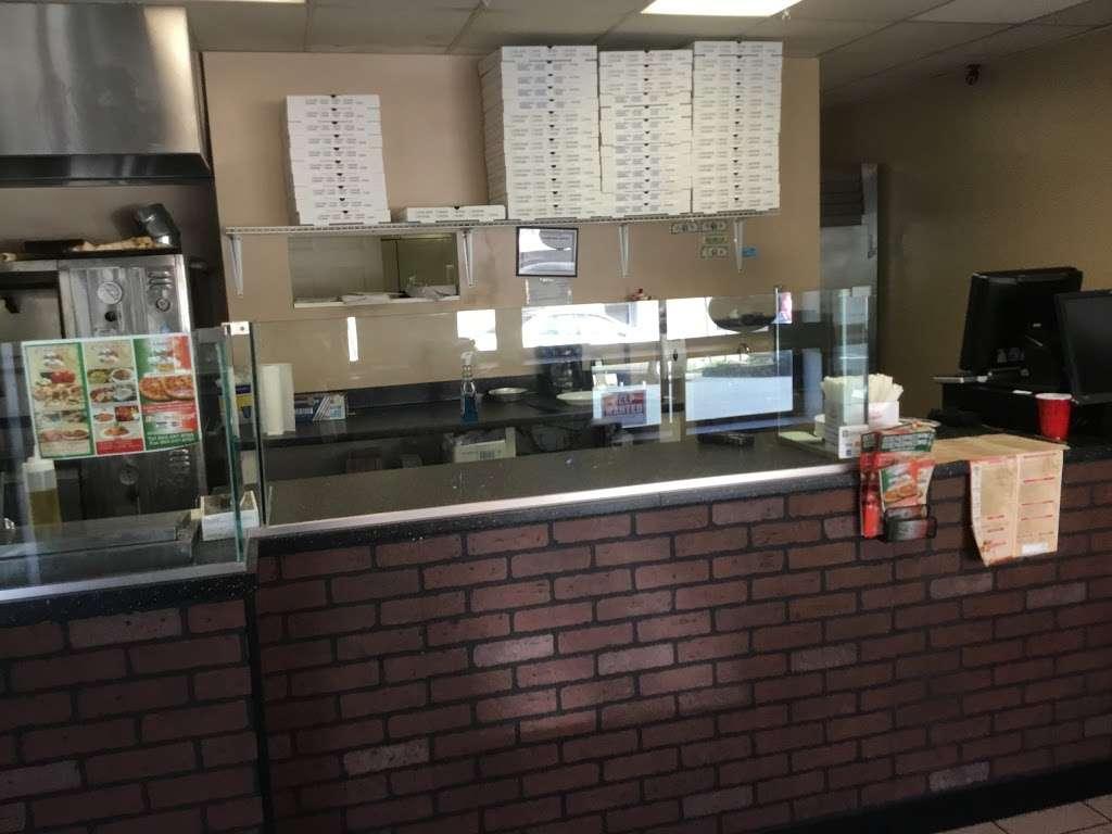 Carimos Restaurant and pizzeria - restaurant  | Photo 2 of 5 | Address: 26 Borig Pl, Lodi, NJ 07644, USA | Phone: (862) 247-8700