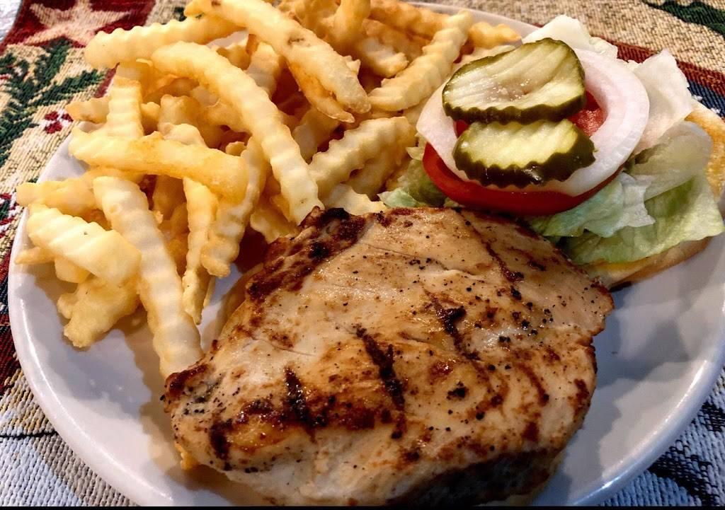 Lindsays Kitchen - restaurant  | Photo 8 of 10 | Address: 5300 Cane Run Rd #3103, Louisville, KY 40258, USA | Phone: (502) 384-4823