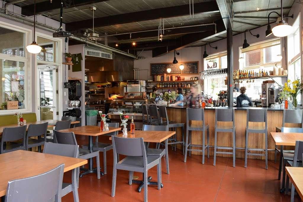 Lowells Restaurant - cafe  | Photo 5 of 10 | Address: 7385 Healdsburg Ave #101, Sebastopol, CA 95472, USA | Phone: (707) 829-1077
