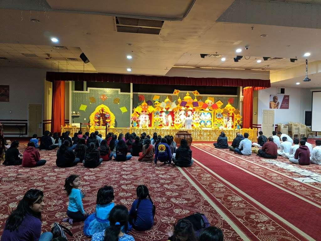 BAPS Shri Swaminarayan Mandir - hindu temple  | Photo 2 of 10 | Address: 2000 Tonnelle Ave, North Bergen, NJ 07047, USA | Phone: (201) 865-6555