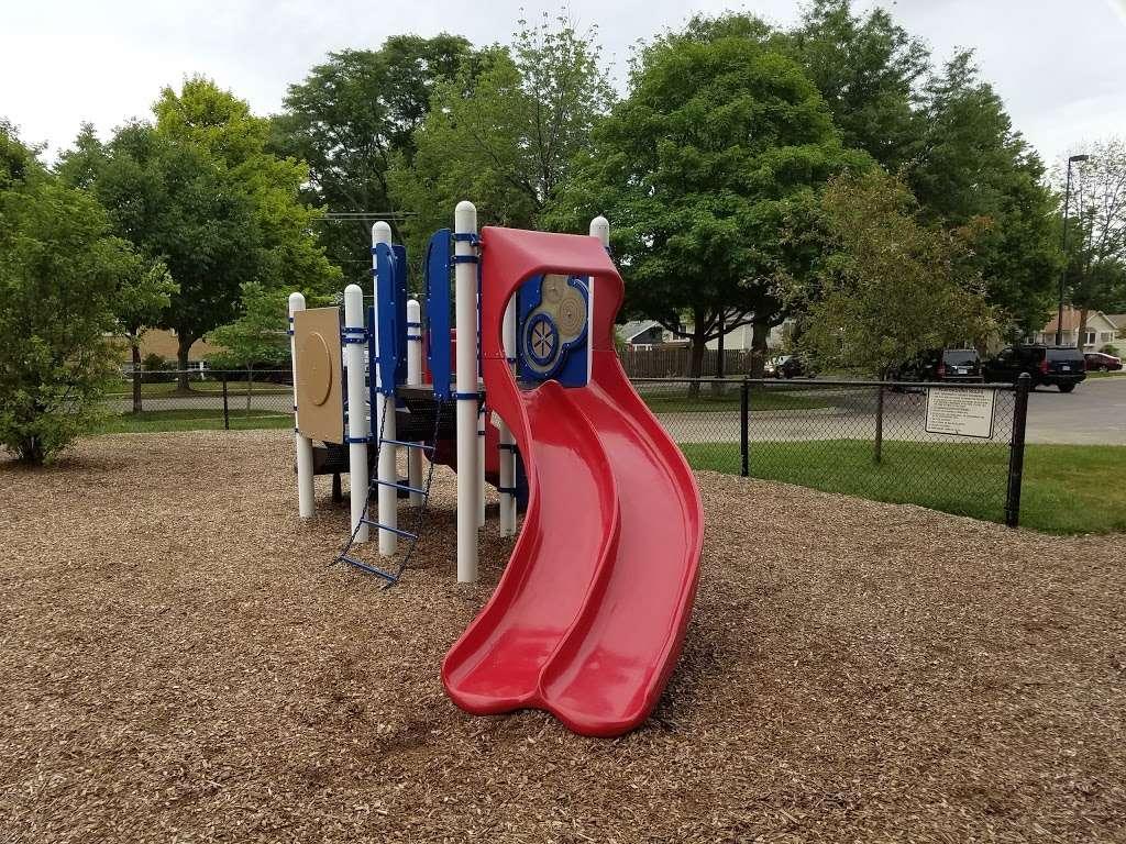 Memorial Park - park  | Photo 1 of 10 | Address: La Grange Park, IL 60526, USA