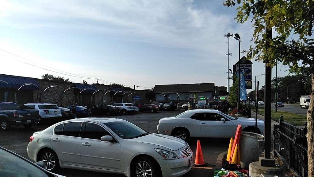 Buddy Bear Car Wash - car wash  | Photo 4 of 10 | Address: 4130 S Western Ave, Chicago, IL 60609, USA | Phone: (773) 847-1221