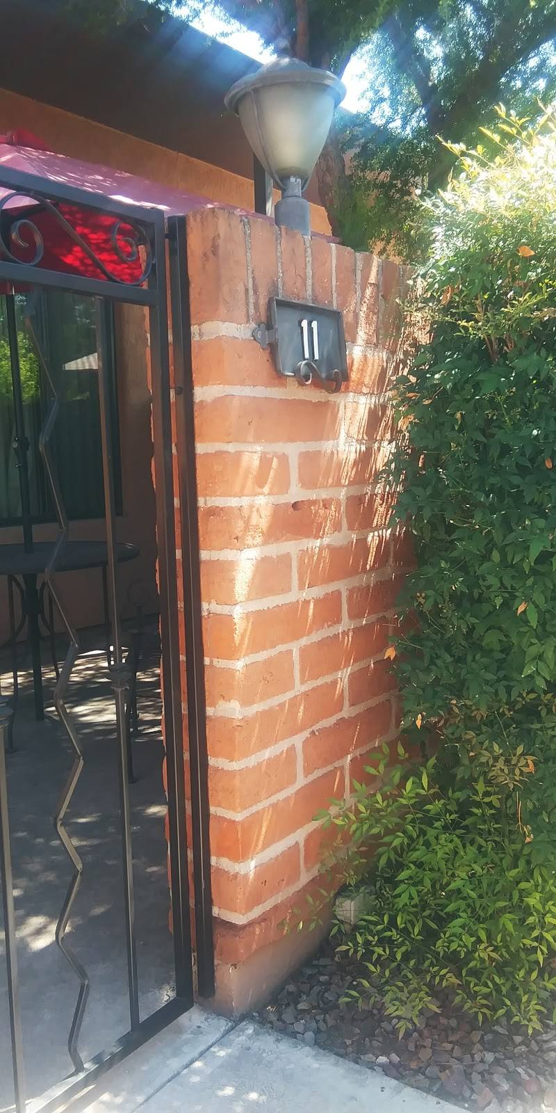 Riverside Suites - real estate agency    Photo 8 of 10   Address: 1725 E Limberlost Dr, Tucson, AZ 85719, USA   Phone: (520) 202-2210