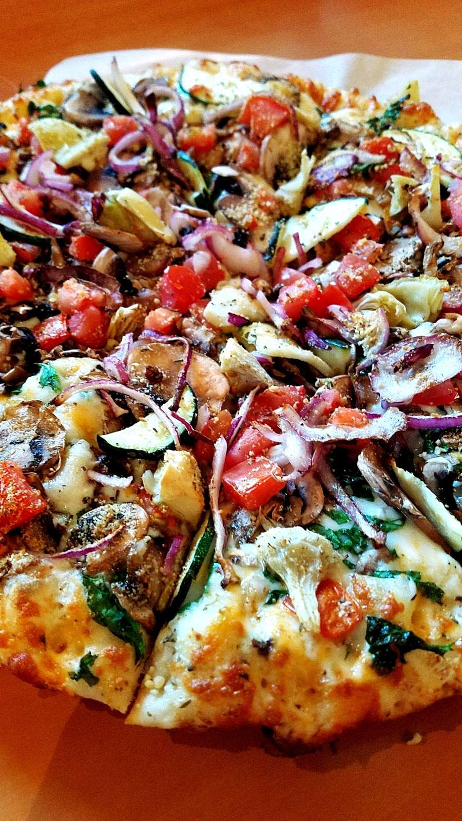 Round Table Pizza Meal Delivery 408 Auto Center Dr