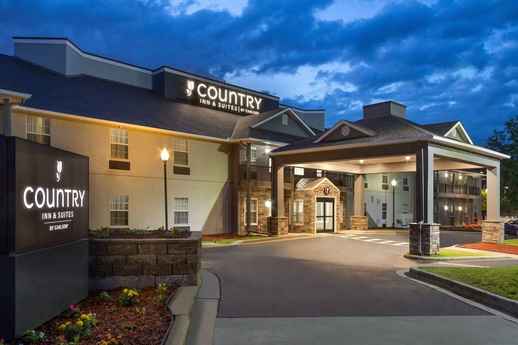 Country Inn & Suites by Radisson, Birmingham-Hoover, AL - lodging  | Photo 1 of 7 | Address: 4400 Colonnade Pkwy, Birmingham, AL 35243, USA | Phone: (205) 968-3700