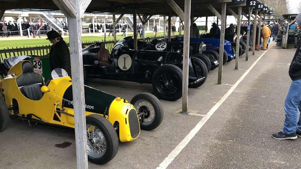 Pigsty Racing - car repair  | Photo 3 of 10 | Address: 2b, Lady Cross Business Park, Hollow Ln, Dormansland, Lingfield RH7 6PB, UK | Phone: 01342 870988