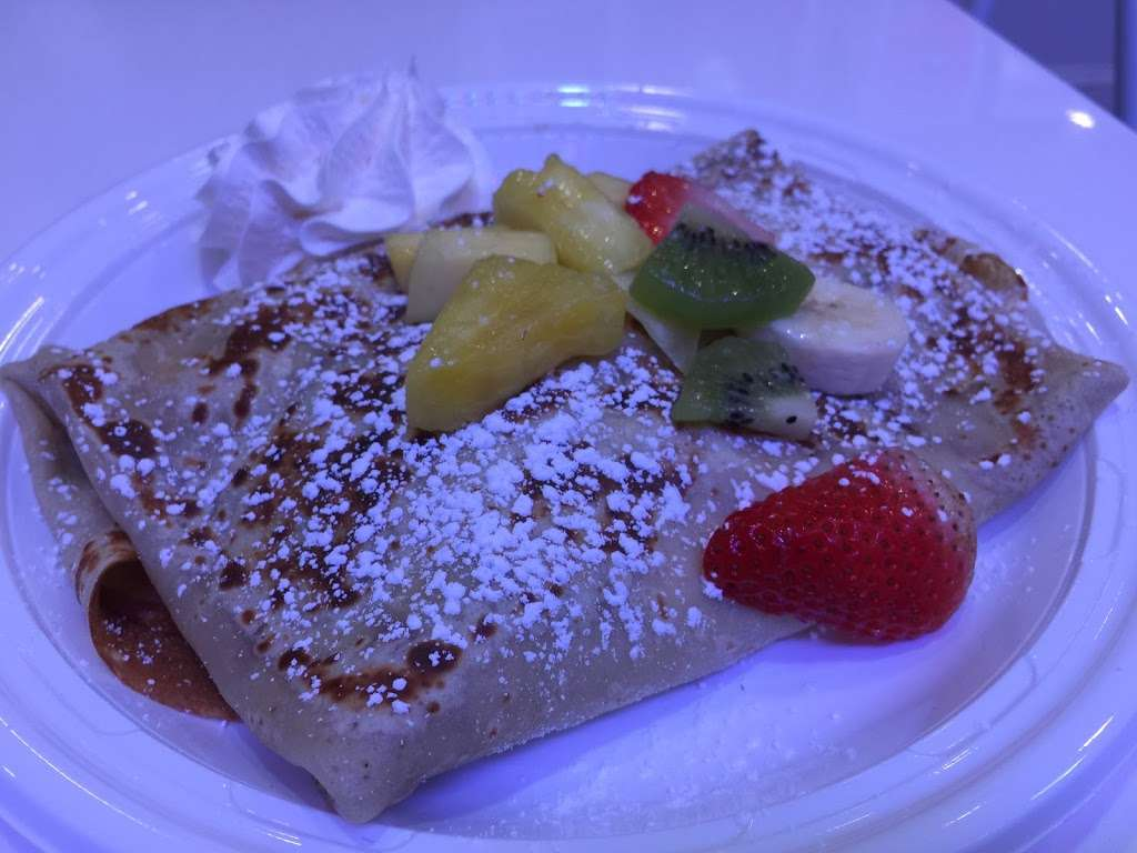 Yogurt La Crêpe - restaurant  | Photo 6 of 10 | Address: 2902 Ditmars Blvd, Astoria, NY 11102, USA | Phone: (917) 832-6930